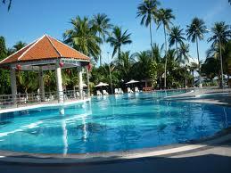 Cách xử lý nước bể bơi có màu xanh lá cây
