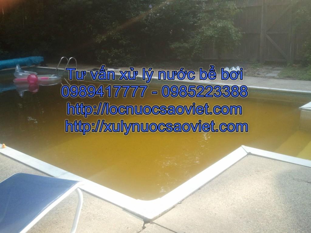 Cách xử lý nước bể bơi có màu vàng